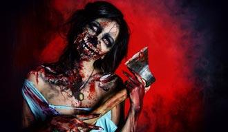 Weiblicher Zombie aus Kostüm Shop