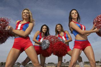Sexy Cheerleader Kostüme an 5 Frauen