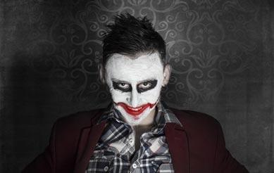 Joker Kostüm mit Grinsen