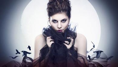 Sexy Vampir Kostüm Damen vor Vollmond