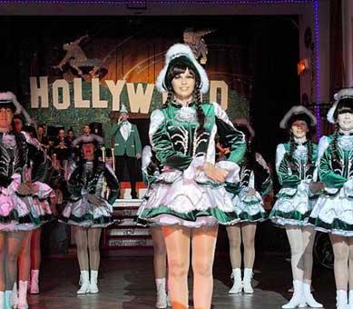 Tanzmariechen Kostüme bei Aufführung