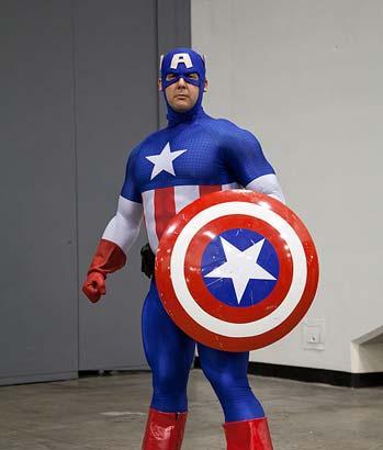 Captain America Kostüm bei der WonderCon 2011