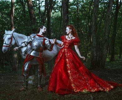 Mittelalter Kostüme im Wald