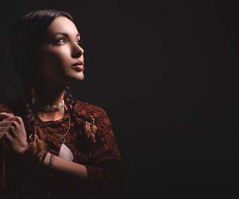 Pocahontas im Indianer Gewand