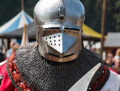 Ritter Kostüm mit mittelalterlicher Rüstung